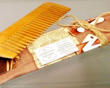 Расчёска из натурального Сандала (редкие зубья)